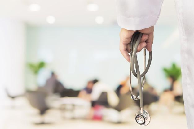 Odpowiedzialność i wina lekarza jako pracownika szpitala za błąd w sztuce medycznej