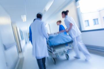Odszkodowanie za zostawienie drenu podczas operacji jako błąd medyczny